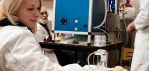 Ilze studiju praksē laboratorijā